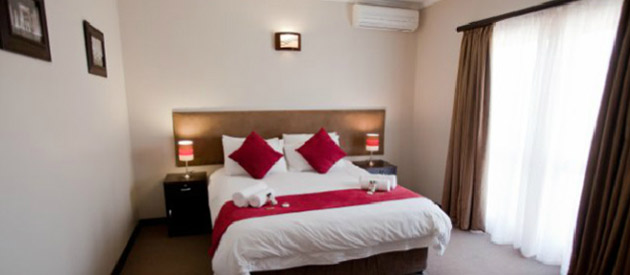 LE GRAND CHATEAU HOTEL - Parys accommodation - Free State